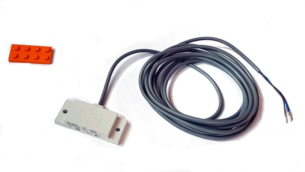 kapazitiver Näherungsschalter Lanbao - rechteckig- Schaltabstand 10 mm mit Kabel 2 m (PVC)
