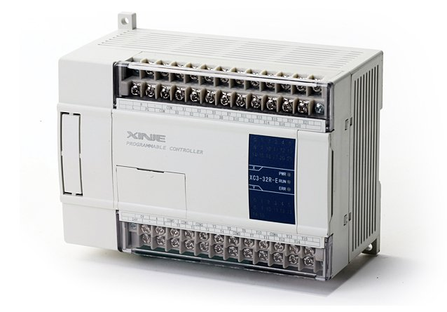Xinje XC3 SPS mit 24 E/A